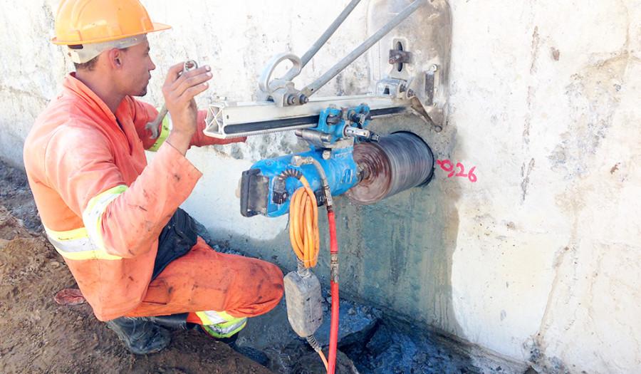 Obra Petrobrás furos para passagem de dutos de gás